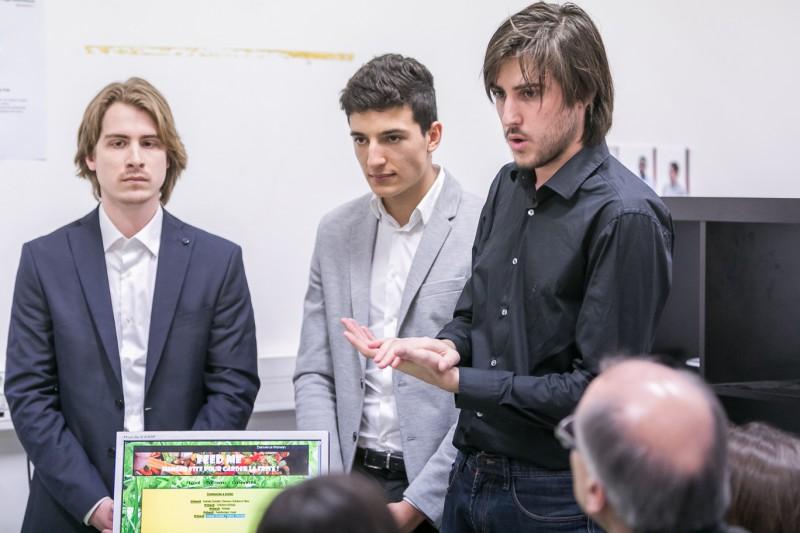 Les élèves présentent leurs travaux lors du Forum des Projets Informatiques