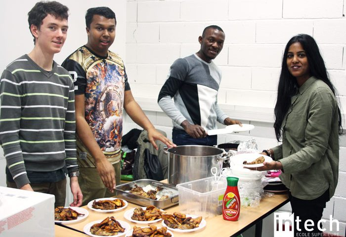 """Midi-Rézo, l'événement pour """"réseauter"""" qui rassemble étudiants et alternants d'IN'TECH autour d'un repas."""