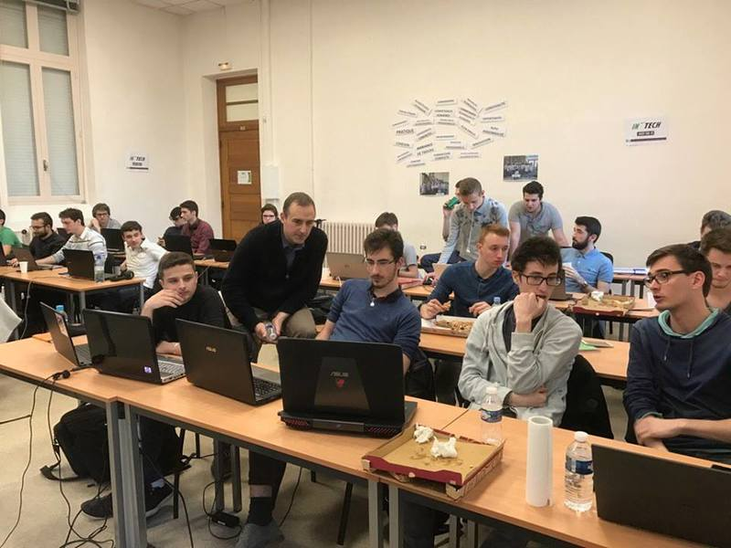 Les étudiants d'INTECH Agen durant la BattleDev