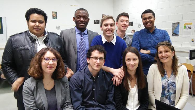 A IN'TECH les étudiants participent à des simulations d'entretiens avec des professionnels